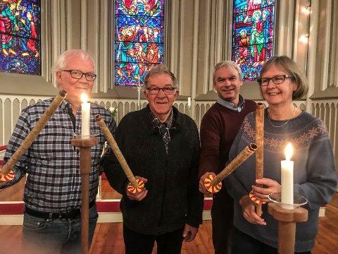 KLARE LEDERE: Ledere i Sarpsborg kristne råd gjør seg klar til søndagens fakkeltog. F. v.: Leif Gunnar Sandvand,  Gunnar Skaar,  Ketil Willard og Hilde Augensen.