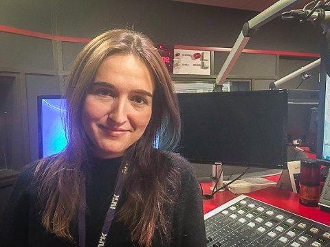 SPENT RADIOVERT: Adelina Ibishi har lagt fra seg den tjukke L-en i Østfold, men er stolt sarping likevel.