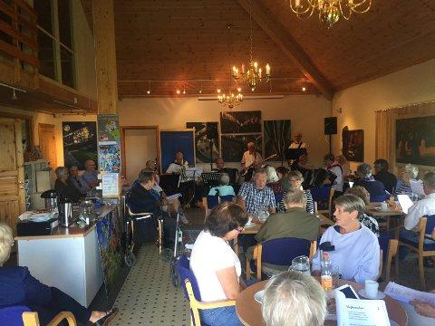 Bra oppmøte: Rundt 70 publikummere møtte opp på mimredagen til ære for Erling Stordahl.
