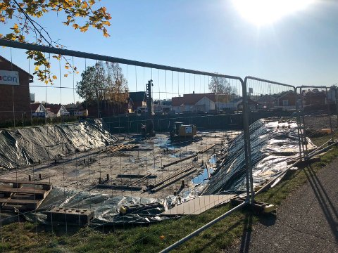 NYE LEILIGHETER: Arbeidet med å sette opp 32 nye leiligheter i Moenskogen på Borgenhaugen er startet opp.