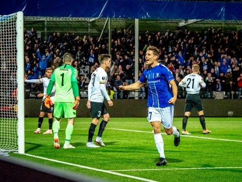 NY KLUBB: Tidligere S08-spiller Kristoffer Zachariassen er solgt fra Rosenborg til Ferencváros. Dette bildet er tatt etter hans scoring for Sarpsborg 08 mot Genk i Europa League i 2018.