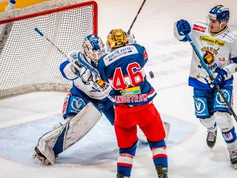 GOD: Sparta-keeper Jens Kristian Lillegrend spilte en god kamp mot Vålerenga, men kunne ikke hindre at Vålerenga tok ekstrapoenget etter straffer.