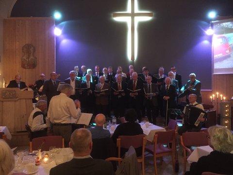 30 år: Skjeberg Mannsmusikk markerte sist lørdag at de har holdt på i 30 år.