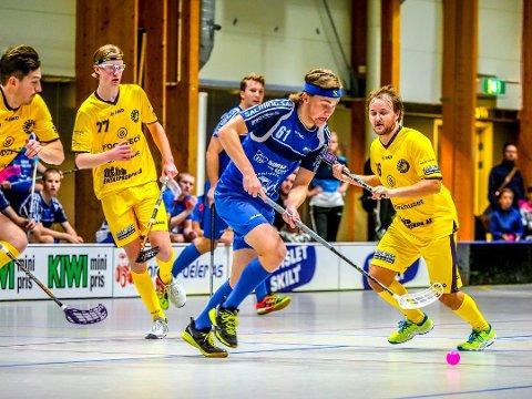 Sarpsborg Sharks, her ved Fredrik Gjødalstuen, skal møte Tunet i NM-kvartfinale. Første kamp spilles i Skjeberghallen fredag 16. mars. (Foto: Tobias Nordli)