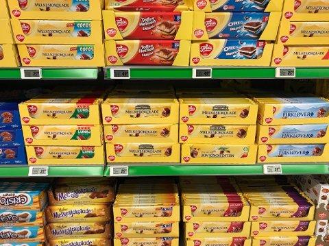 Prisen på Freias melkesjoklade er kraftig redusert hos alle lavpriskjedene.
