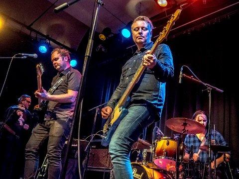 Klare for Festival Ø: Graalum, med Magne Svendsen (fra venstre) Vegard Ulrik Johansen, Lars-Jørgen Hansen Gabestad og Ole Henrik Lund, er klare for Festval Ø i Følkets bar i kveld. Her er de på scenen i Glenghuset under veldedighetskonserten Rice Against Cancer.