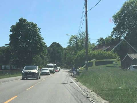 Politi og ambulanse rykekt ut etter melding om ulykke i krysset Nordbyveien/Hukelundveien.