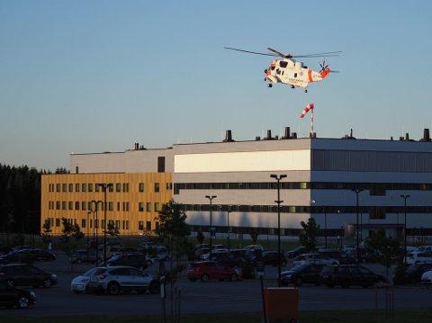 SeaKing redningshelikopter ble satt inn i søket etter kvinnen torsdag kveld.