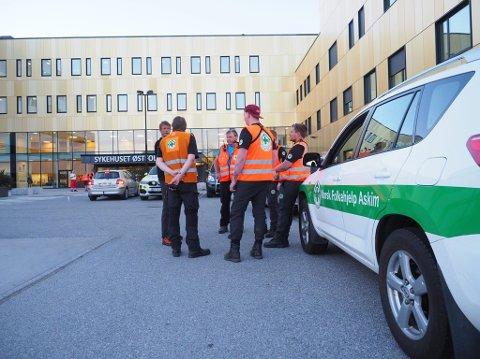 Norsk Folkehjelp ble kalt til stedet for å bistå i letearbeidet torsag kveld.