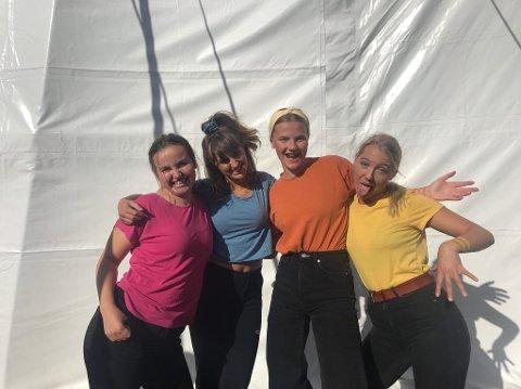 TREDJEPLASS: Laget «Gunde og Ferdinan» gjorde det bra under teatersport-NM, bestående av Andrea Johnsen (t.v.), Martha Kristine Kåstad, Marie Guldteig og Silje Feyling.