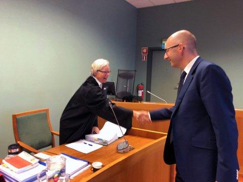 Politiadvokat Nina Marthinsen er aktor og advokat Gaute Nilsen er forsvarer for den 45 år gamle kvinnen som sammen med sin datter (23) ble dømt for hallikvirksomhet i tingretten i fjor, og som får saken prøvd på nytt i lagmannsretten i mars.