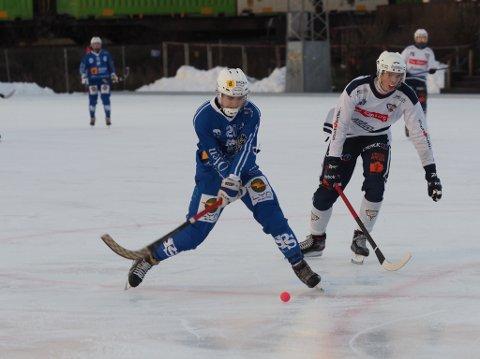 VIKTIG SCORING: Her setter Ola Braathe inn det viktige 4-4-målet for SBK mot Drammen.