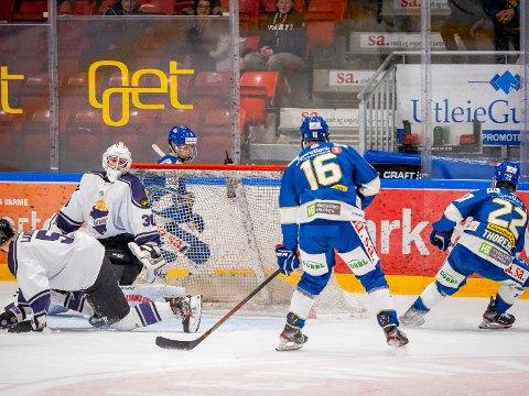 Er i Skien: Spartaspiller Sondre Ahlsen og Jesper Martinsen Lilleberg er to av de tre Spartaspillerne som er i Skien.