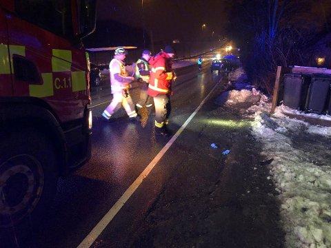 En 69 år gammel kvinne ble livstruende skadet etter at hun ble påkjørt på fylkesvei 111 ved Hafslund hovedgård sent tirsdag kveld. Føreren av ulykkesbilen, en mann i begynnelsen av 20-årene, har ikke fått sitt førerkort beslaglagt.