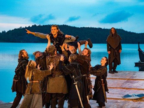 Kai Robert Johansen skryter veldig av musikalen «Olav den Heldige». (Foto: Tobias Nordli)