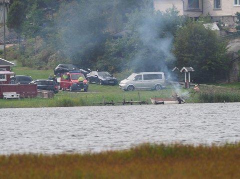 Brannvesenet rykket ut da de fikk melding om røykutvikling i Skjeberg søndag formiddag.
