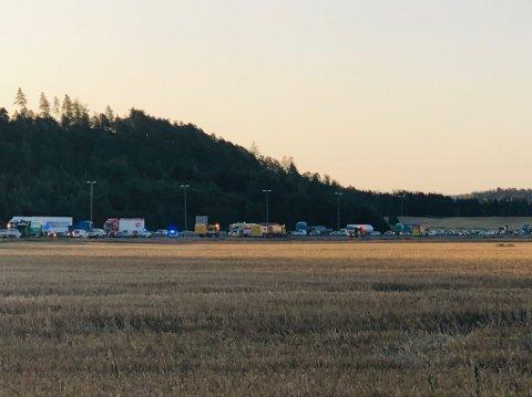 Det var mandag morgen lange køer på E6 ved Missingmyr som følge av en trafikkulykke i retning Sarpsborg.
