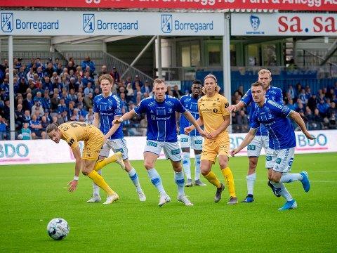 Om forhandlingene går i stå, kan fotballen forsvinne fra skjermen til mange norske TV-seere.