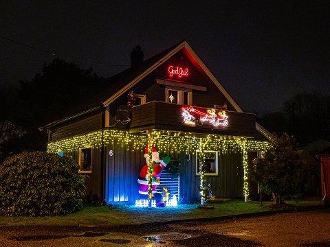 Julepynta hus i Sarpsborg. Navestad i 2019.