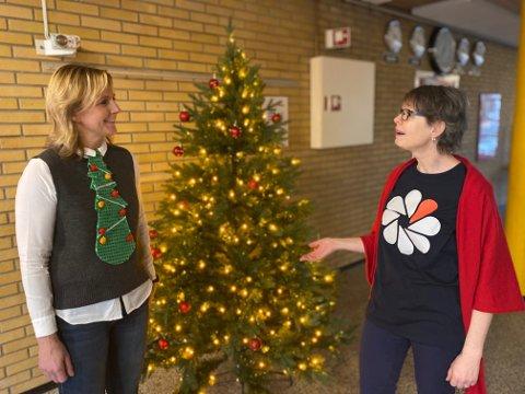 HVIT JUL: Ann-Christin Pettersen og Liv-Torill Osland Lunde håper at foreldre viser sunt alkovett sammen med barna i julen.