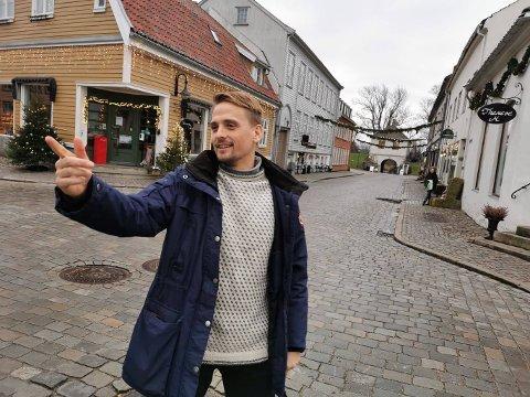 KONTROLL: Torsdag er det Kenneth Karlstad, som styrer showet i Gamlebyen i «den andre byen». Sarpingen skal nemlig slepe DDE fra hus til hus, og gate til gate, når trønder-ikonene holder julekonsert.