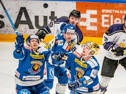 Like mange: Sparta spillerne Niklas Roest, Anders Tangen Henriksen og Kristian Jakobsson får spille like mange kamper som avtalt selv om Herning fra Danmark har trukket seg.