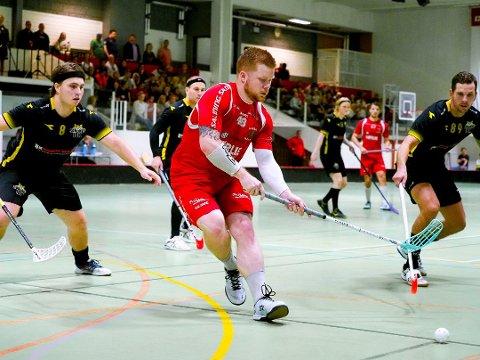 Thobias Hjorth og de øvrige Greåker-spillerne starter jakten på NM-gull med den første kvartfinalekampen mot Fredrikstad hjemme i Tindlundhallen tirsdag 3. mars. (Foto: Tobias Nordli)