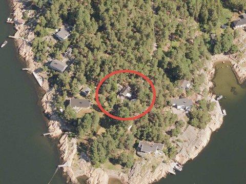 Denne hytta på Søndre Karlsøy er solgt.