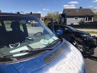 SKADEVERK: Noen har gjort skadeverk på russebilen til en gjeng russ fra St. Olav videregående skole.