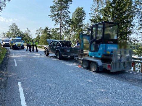 ULYKKE: Det var i Varteigveien, litt nord for Sulusnes, at det skjedde en alvrolig ulykke mandag.