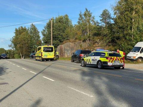 Nødetatene rykket onsdage kveld ut etter medling om en ulykke ved avkjøringen til Nygårdshaugen langs Iseveien.