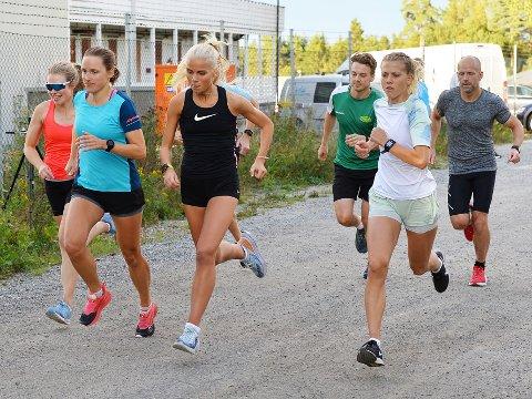 RASKE DAMER: Det var mange damer som hevdet seg i teten i Torsdagsløpet denne uken.
