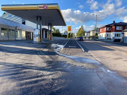 Den 41 år gamle kriminelle gjengangeren som onsdag morgen forsøkte å stjele drivstoff fra Uno X-stasjonen på Klavestadhaugen ved å bore hull i en drivstoffpumpe er varetektsfengslet i fire uker.