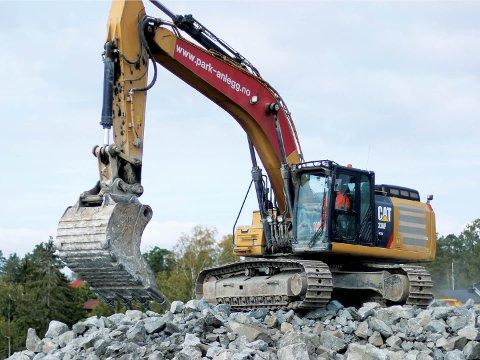 Sarpsborg-bedriften Par & Anlegg AS har startet et prosjekt som innebærer at de skal redusere tomgangskjøringen fra dagens 33,4 prosent til under 20 prosent på sine anleggsmaskiner. Dette skal gi en stor miljøgevinst, samtidig som bedriften sparer millionbeløp.