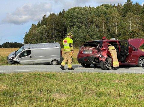 To biler fikk store materielle skader etter trafikkuhell i Oldtidsveien.