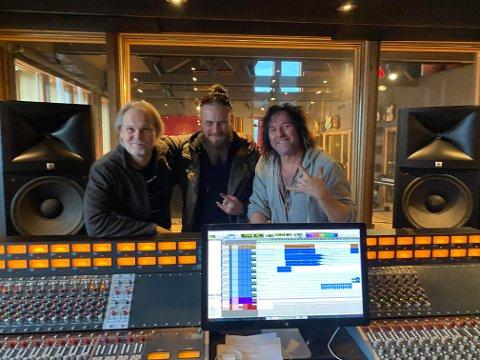 MGP-klare: Jørn Lande (fra venstre), Kjell Åge Halltveit Karlsen og Åge Sten Nilsen under arbeidet med MGP-låten «Faith Bloody Faith».