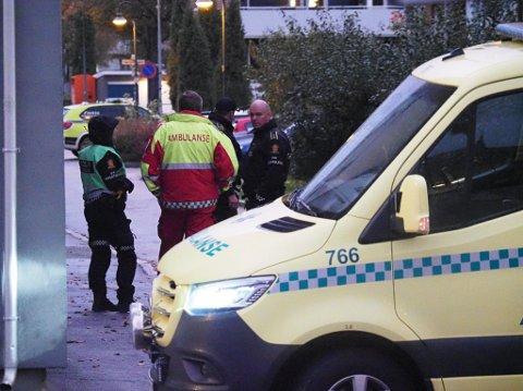 Politi og helse var på plass etter melding om bråk i Sarpsborg sentrum.