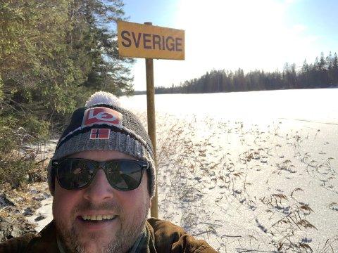 MARKERING: Mandag arrangerer LO en fanemarkering på den gamle Svinesundbrua. – Nå må regjeringen vise ansvar og gi grensependlerne som er rammet av stengte grenser kompensasjon, mener Ulf Lervik.