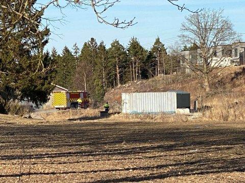 Sarpsborg brannvesen rykket ut og fikk raskt kontroll på brannen ved Gamle Isevei.