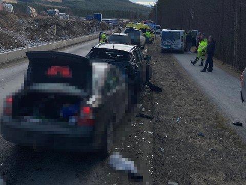 ULYKKEN: Sogn Avis omtalte kjedekollisjonen som Kristian Fardal Opseth og kjæresten ble utsatt for på vei hjem til Kaupanger i Sarpsborg 08s varebil.