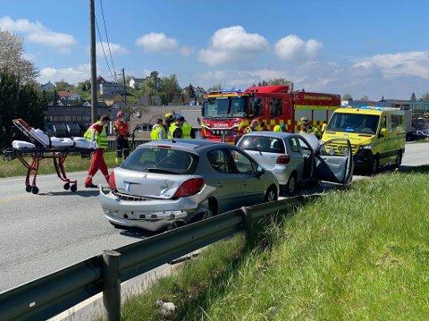 To biler kolliderte torsdag på Iseveien ved avkjøringen til Torvaldslyst.
