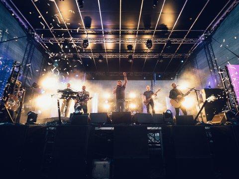 Fest: DDE på scenen i konfettiregn under Den Store Havnefestivalen i Ullerøy.