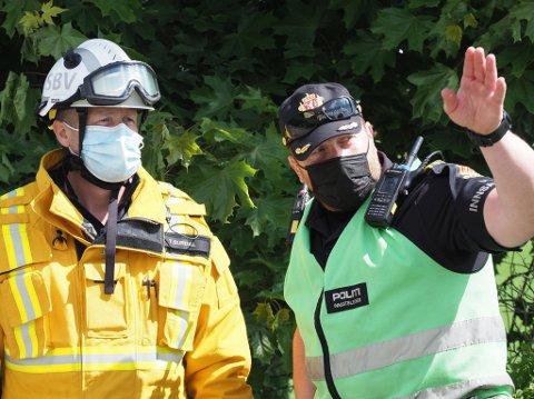 Innsatsleder brann brannsjef Terje Surdal og innsatsleder i politiet Rolf Listrøm.