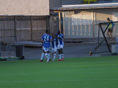 En overtidsscoring av kaptein Joachim Thomassen reddet ett poeng for Sarpsborg 08 i hjemmekampen mot Mjøndalen onsdag. Kampen endte 1-1. (Foto: Jesper Malthus-Andersen)