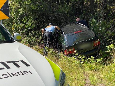 Politiet søkte gjennom bilen de to mennene satt i.