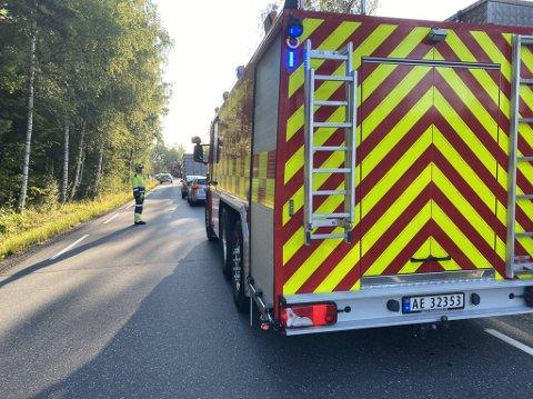 Nødetatene er på stedet etter to biler er involvert i en ulykke i Trøsken.