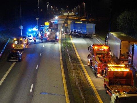 Fire tunge kjøretøy var involvert i en kjedekollisjon på E6.
