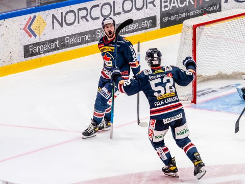 Spartas spiller Robin Andre Soudsky jubler etter 2-2 i kampen mellom Sparta og Ringerike. Foto: Jesper Malthus-Andersen