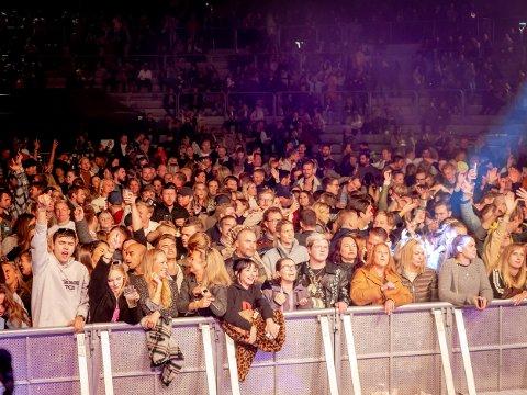 For første gang siden pandemien rammet var mange mennesker samlet til fest og konsert i Kulås. Det gikk ifølge politiet veldig bra.
