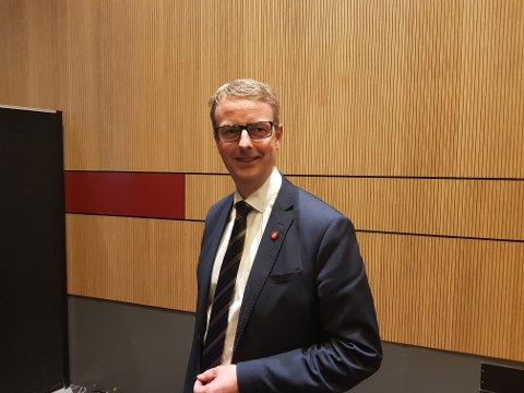 Oljeminister Terje Søviknes innledet tirsdag på LOs olje- og gasskonferanse i Stavanger.